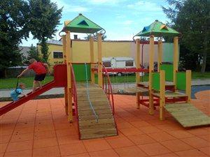 Budowa placu zabaw przy Szkole Podstawowej nr 3 w Morągu w ramach programu Radosna Szkoła